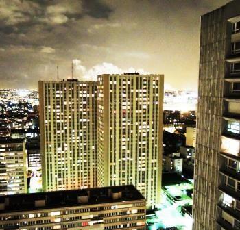 32. étage a paris ,belle vue,seulement dans la nuit,au journée horrible....